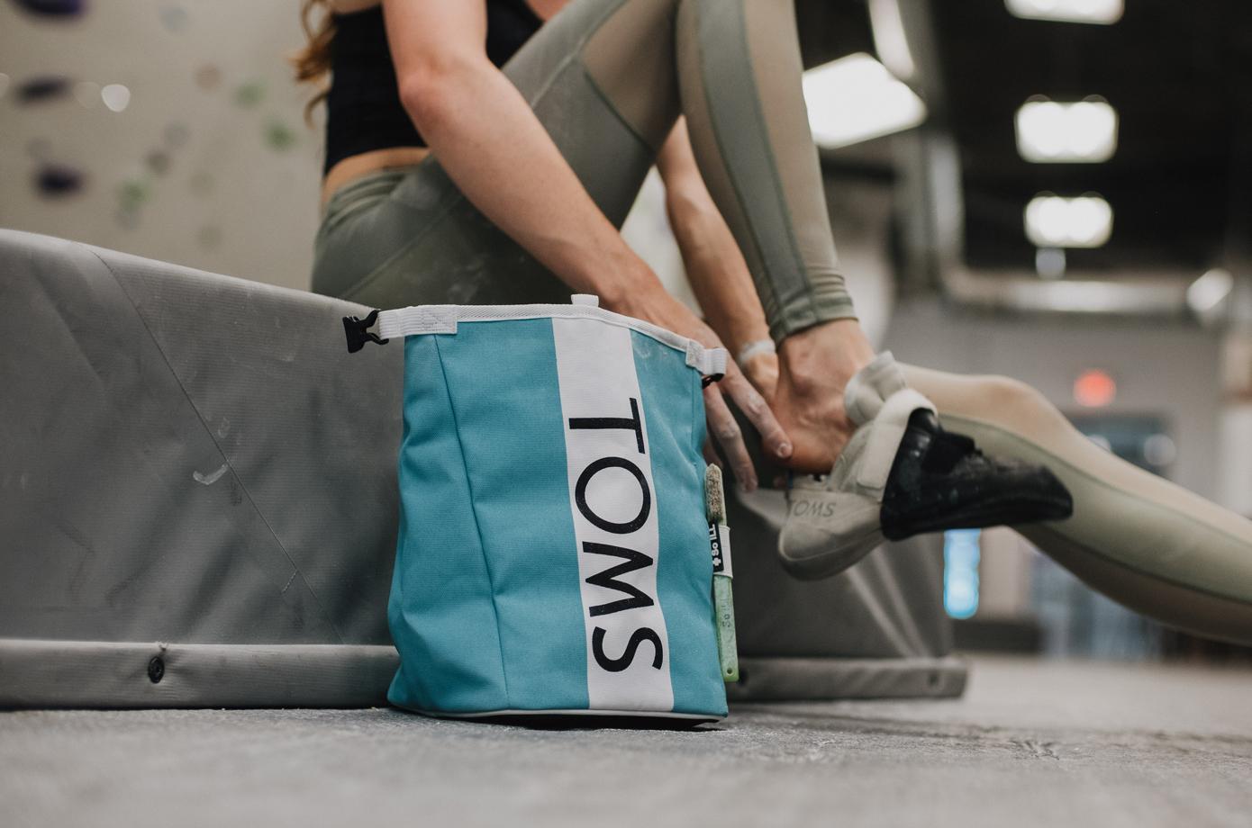 So iLL x TOMS Rolldown Chalk Bucket Part of 1Climb's Indiegogo Campaign.